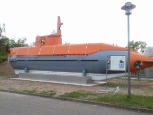 Tauchboot auf dem Gelände der Firma Bruker